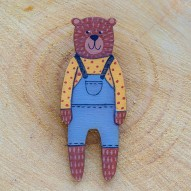 Grey Overall Bear sagė