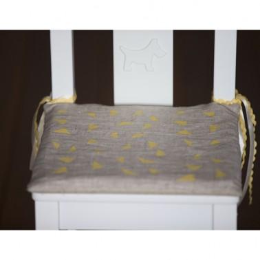 Yellow Triangles подушка для детского стульчика